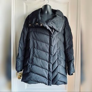 Ivanka Trump Black Puffer Down Jacket - Medium